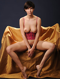 Suzanna A bare in glamour AYANAR gallery - MetArt.com