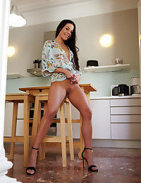 Eveline nude in erotic ADORTI gallery - MetArt.com