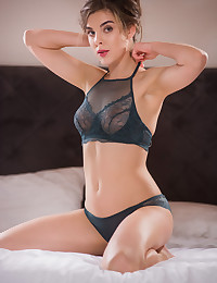 Dakota A nude in erotic ORMIA gallery