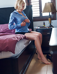 Kery nude in erotic PRESENTING KERY gallery