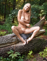 Glamour Beauty - Naturally Fabulous Inexperienced Nudes
