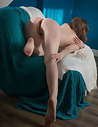 Ginger Frost bare in erotic ZERANE gallery