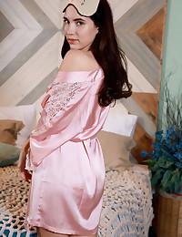 Velana bare in glamour Introducing VELANA gallery - MetArt.com