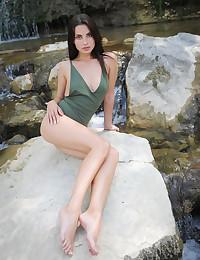 Jasmine Jazz nude in softcore NATURE Enjoy gallery - MetArt.com