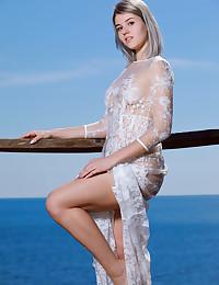 Libby nude in erotic SEA GAZING gallery - MetArt.com