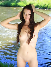 Softcore Hotty - Naturally Uber-sexy Amateur Nudes