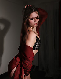 Harley nude in erotic PRESENTING HARLEY gallery - MetArt.com