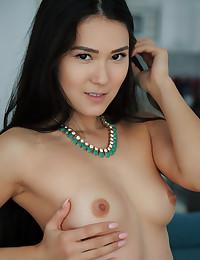 Kimiko nude in erotic FAVORITE VIEW gallery - MetArt.com