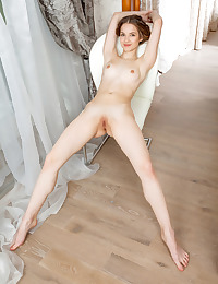Cherish nude in erotic WELCOME HOME gallery