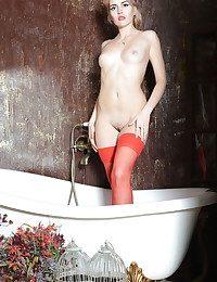 Erotic Cutie - Naturally Killer Amateur Nudes