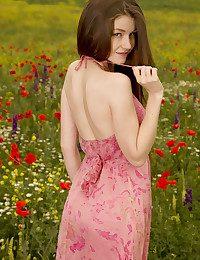 Emily Bloom bare in erotic GRIMAS gallery - MetArt.com