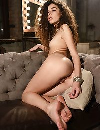 Cualy naked in glamour EJEMBI gallery - MetArt.com