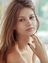 Emma Sugary-sweet naked in erotic MEBRI gallery