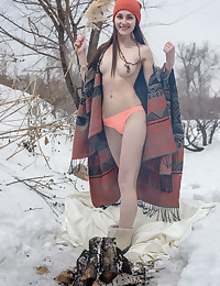 Glamour Bombshell - Naturally Marvelous Fledgling Nudes