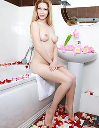 Genevieve Gandi nude in erotic DACIRTA gallery - MetArt.com