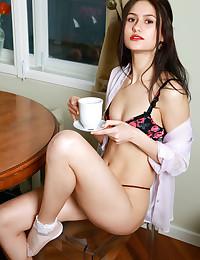 Megan Elle bare in glamour DILAFE gallery - MetArt.com