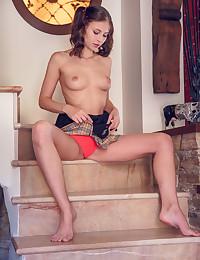 Hilary C naked in glamour PRALEU gallery - MetArt.com