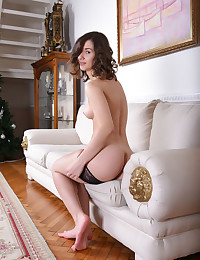 Glamour Hottie - Naturally Magnificent Unexperienced Nudes