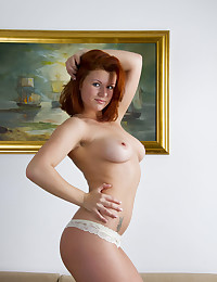 Softcore Sweetheart - Naturally Jaw-dropping Fledgling Nudes