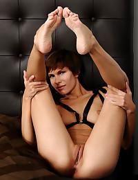 Suzanna A bare in softcore LESHYA gallery