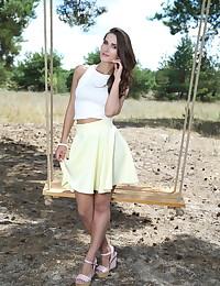 Elina bare in glamour NOSEZI gallery - MetArt.com